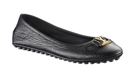 zapatos negros de moda