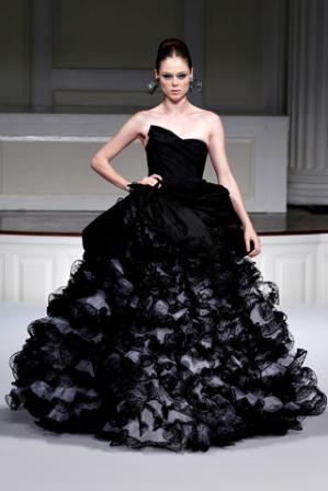 vestidos de gasa negra
