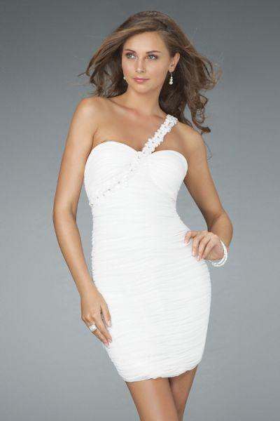 trajes color blanco