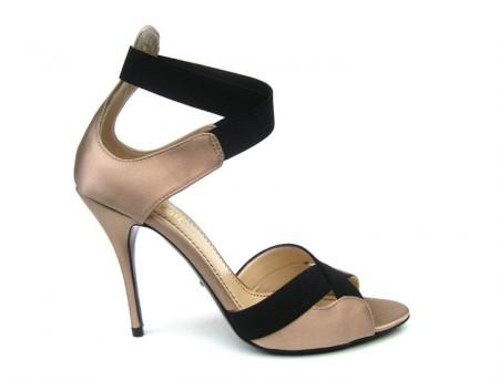 sandalias altas