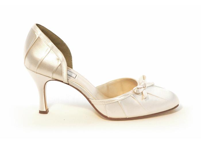 zapatos de novia color dorado