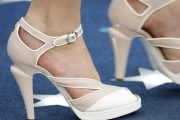 Zapatos de modelos extravagantes