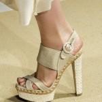 zapatos muy altos de moda