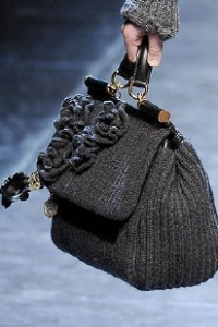 vestidos y zapatos de invierno