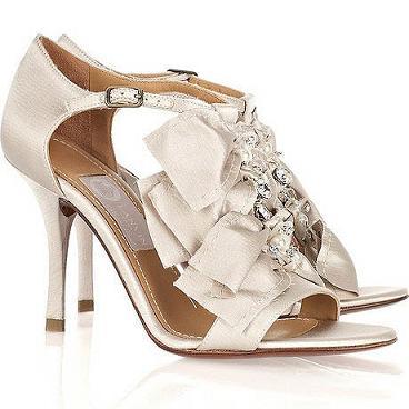 zapatos con cristales brillantes