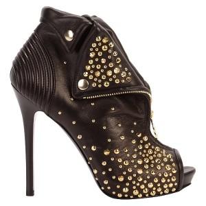zapatos y botas de tacón alto