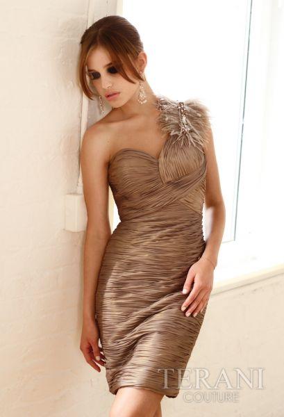vestidos cortos en tonos marrón