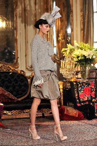 blusas y faldas elegantes