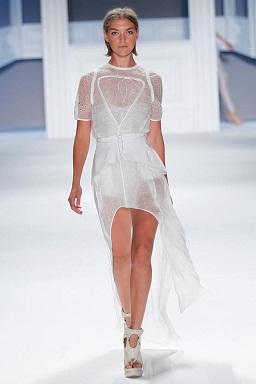 vestidos blancos y estampados