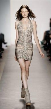 vestidos plateados cortos