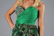 Vestidos cortos color verde para esta Navidad