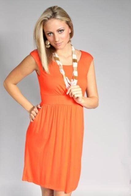 vestidos de colores fuertes