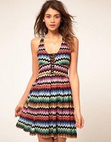 Modelos de vestidos cortos estampados