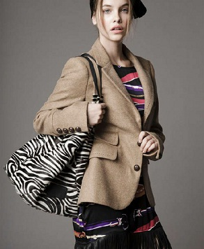 ropa moderna y femenina