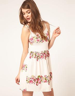 vestidos blancos estampados