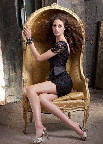Hermosas piernas de una nena en la combi - 4 8