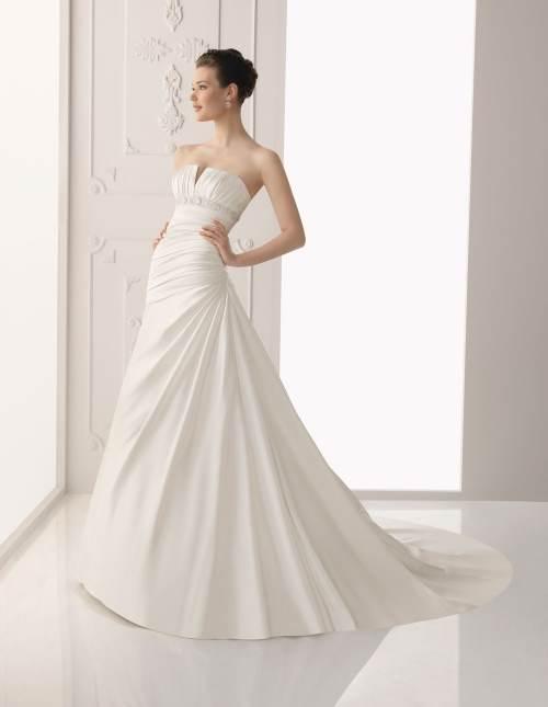 vestidos con cola para novias