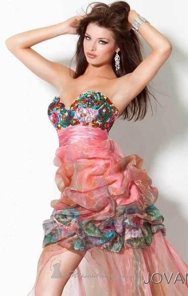Variedad de vestidos vaporosos para fiestas de noche 2012