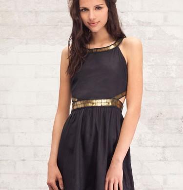 vestidos negros escotados