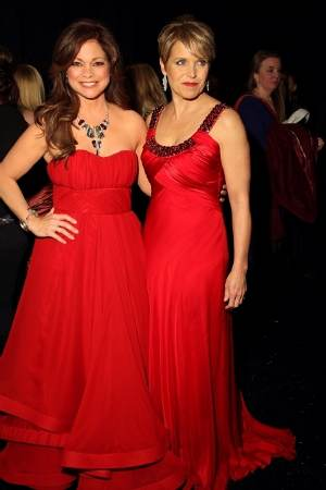 Accesorios De Moda Para Combinar Un Vestido Rojo Aquimodacom