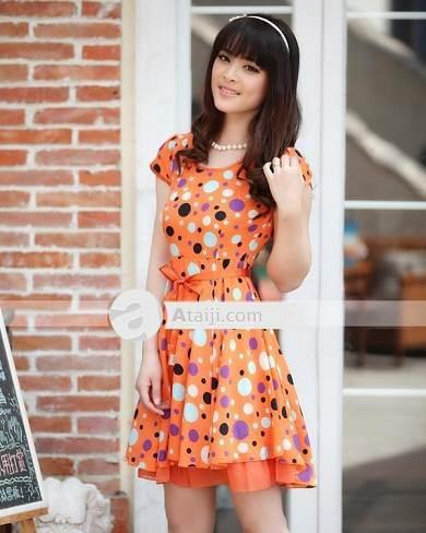 vestidos con lunares de colores