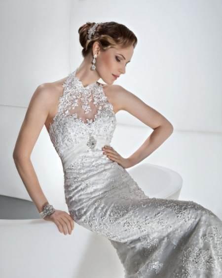 Vestidos blancos de novia con un toque plateado