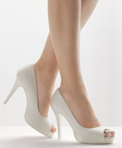Zapatos preciosos para novias 2013 | AquiModa.com