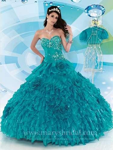 1bc6e4a17 Modelos de vestidos pomposos para fiestas de quince años