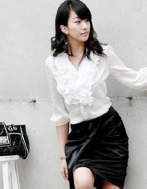 Versatilidad de la Moda en Blusas Blancas