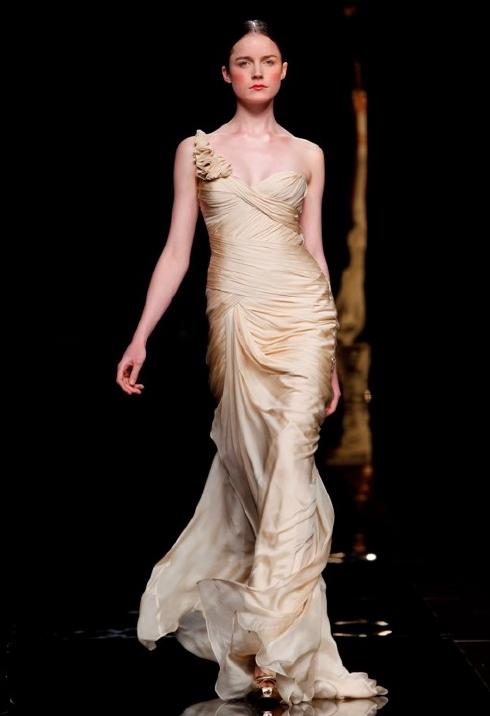 vestido-novia-color-dorado-11