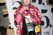 La extravagante Anna Piaggi, experta en el mundo de la moda y sus curiosas prendas