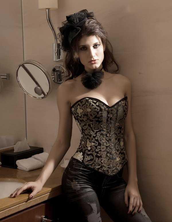 corsett1