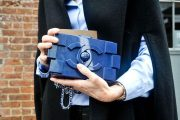 El sobre de mano se impone: Un accesorio imprescindible y versátil para toda hora