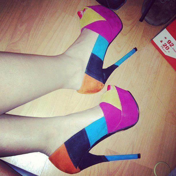 Zapatos de tacón plataforma: año nuevo, zapatos nuevos
