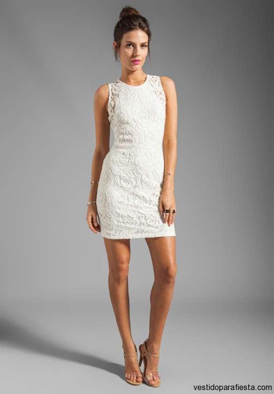 c1c7abbb0 Vestidos cortos de encaje color blanco
