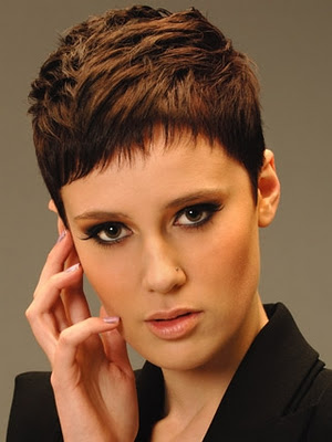 Peinados Muy Cortos Mujer Trendy El Pelo Corto Est Muy De Moda