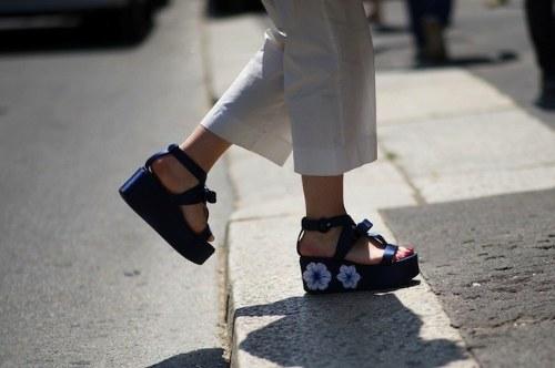 plataformas planas sandalias