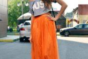 La moda esta de color Naranja en prendas y accesorios para el Verano!