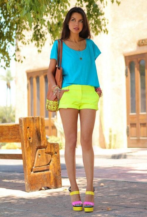 outfits color neon fluorescente