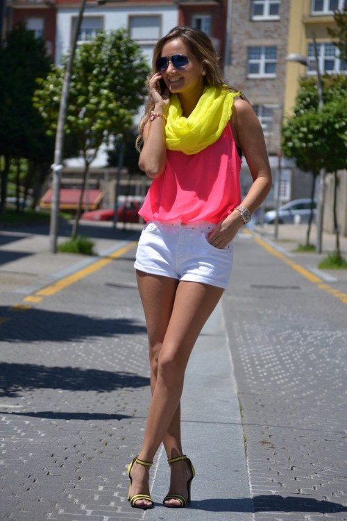 outfits color neon fluorescente