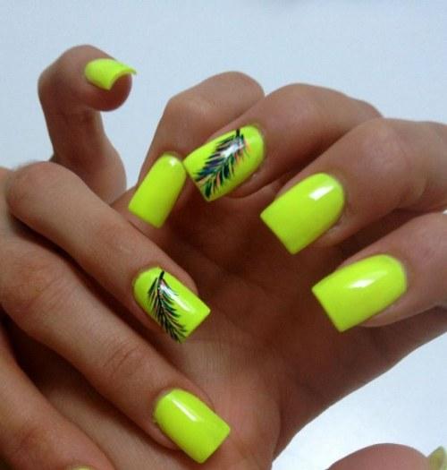 Lindos diseños de uñas de color neón para este verano