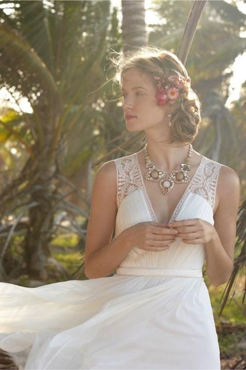 Hermosos y elegantes Vestidos cortos para Novias