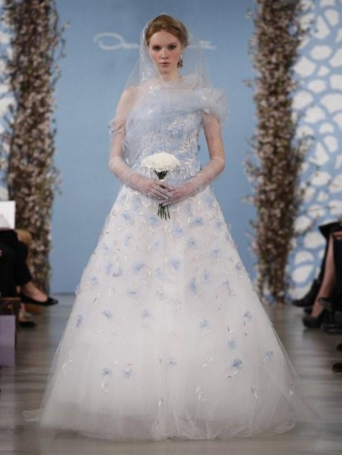 Vestidos de novias en distintos colores por famosos diseñadores ...
