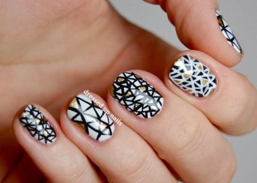 diseños uñas blanco y negro