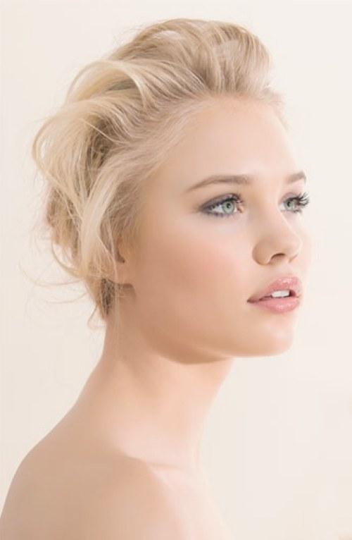 peinados y maquillajes para novias rubias