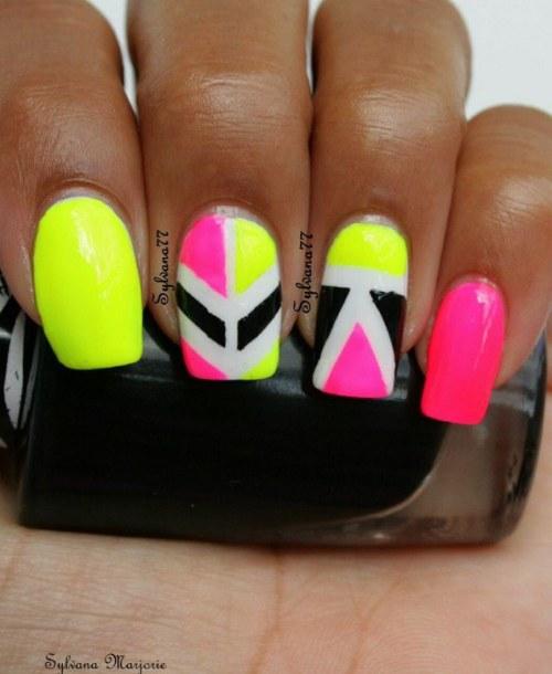 uñas color neon diseños