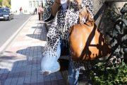 10 Combinaciones de Outfits para Otoño e Invierno con Botas largas marrones