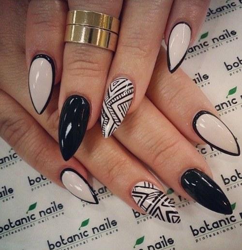 diseños para uñas puntiagudas