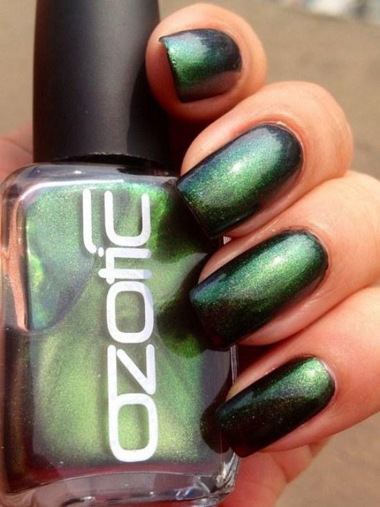 diseños uñas otoño color verde esmeralda