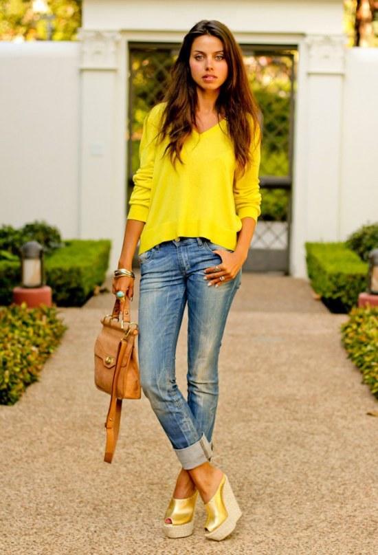outfits con sueteres tejidos moda otoño